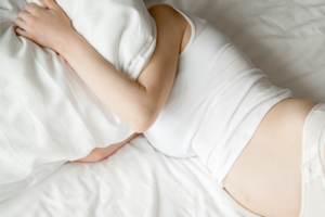 Alteraciones del estado de ánimo durante el post parto, factores de riesgo y síntomas.